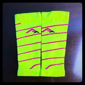 NWOT Pro Compression Calf Sleeves